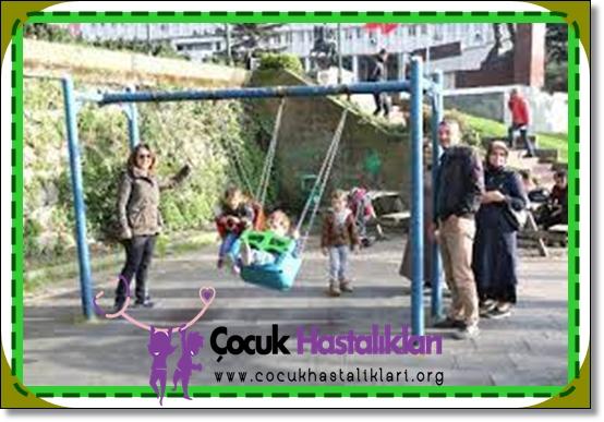 Çocuğunuzun Parkta Güvende Olması için 6 Adım
